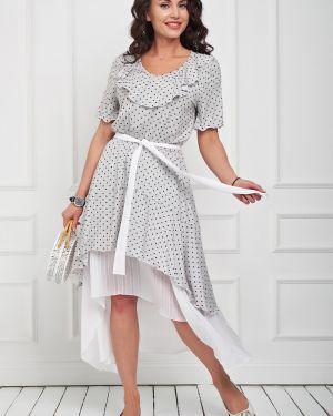 Летнее платье в горошек с декольте Taiga
