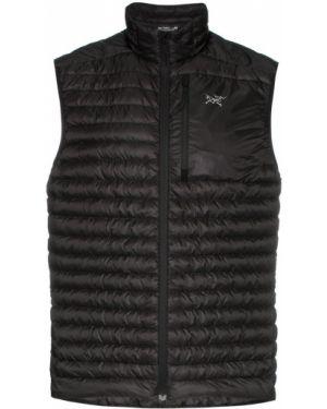 Спортивная куртка черная на молнии Arcteryx