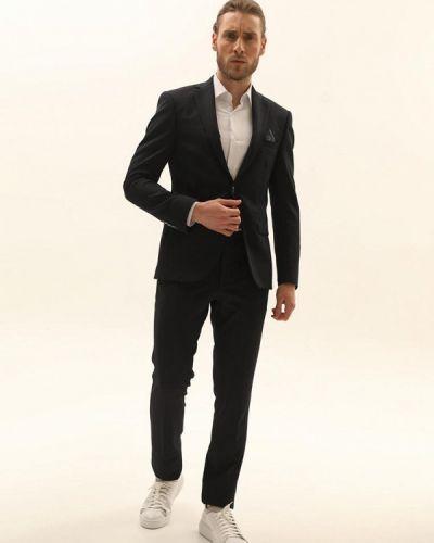 Черный костюм классический Navi