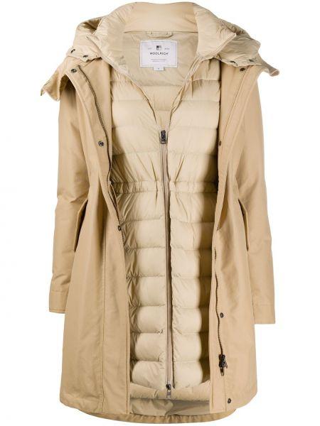 Коричневое пальто с капюшоном на молнии с карманами с перьями Woolrich