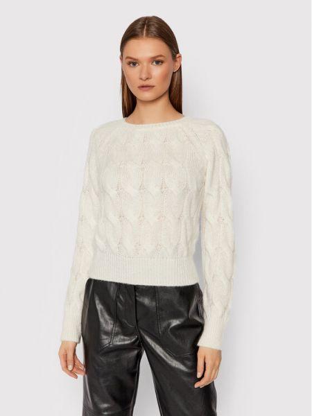 Biały sweter Kontatto