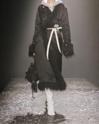Пальто из овчины - черное Mm6 Maison Margiela