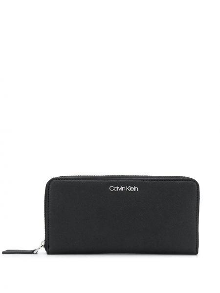 Черный кошелек для монет со шлицей Calvin Klein