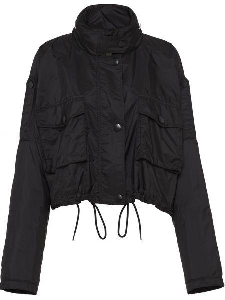 С рукавами черная короткая куртка с воротником Prada