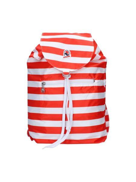 Czerwony plecak Invicta