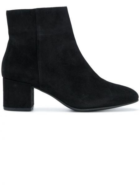 Ботинки на каблуке черные без каблука Hogl