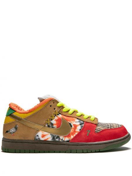 Кожаные белые кроссовки на шнуровке Nike