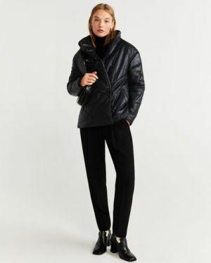 Кожаная куртка черная стеганая Mango