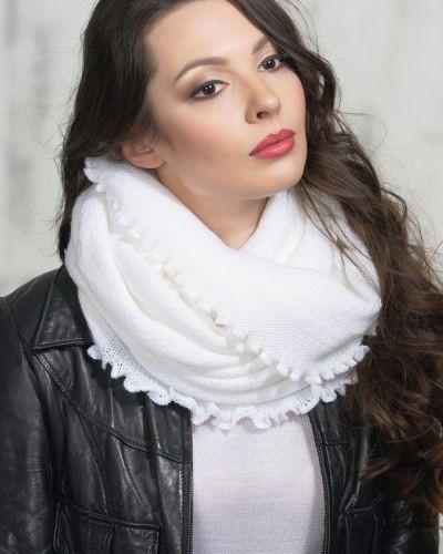 Белый шарф шерстяной Vay