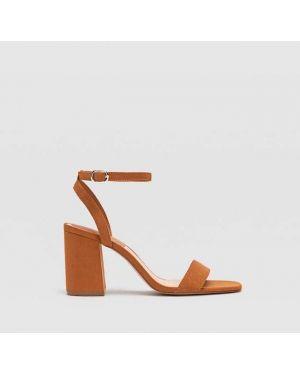 Туфли на каблуке на широком каблуке Stradivarius