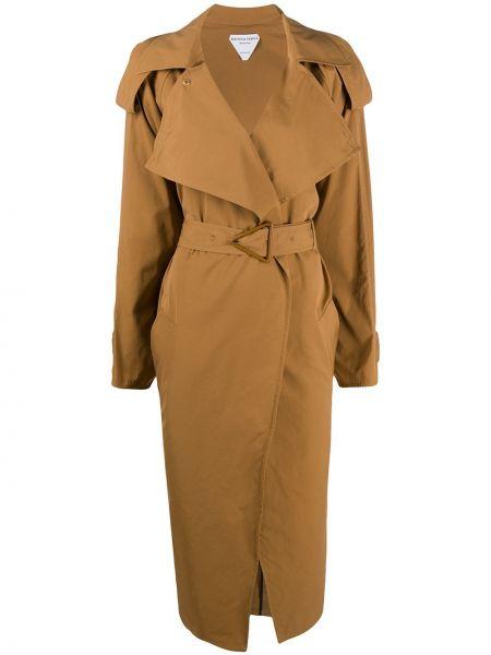 Długi płaszcz zapinane na guziki z paskiem Bottega Veneta