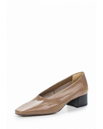 Коричневые туфли для офиса Mango