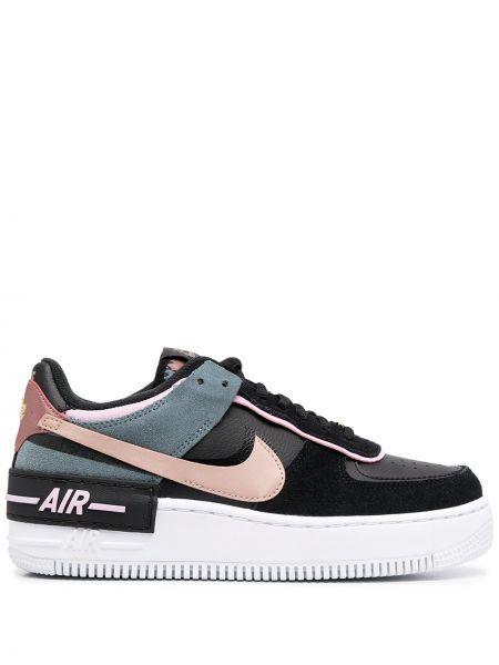 Różowy włókienniczy sneakersy z łatami na sznurowadłach Nike