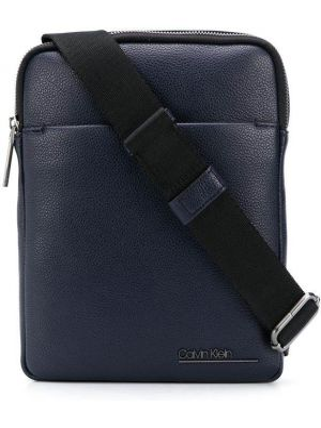 Синяя сумка мессенджер на молнии с подкладкой Calvin Klein