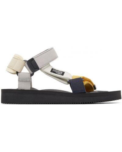 Czarne sandały na obcasie zamszowe Suicoke