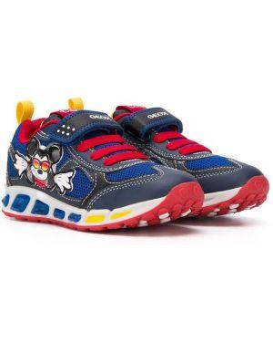 Ажурные кроссовки с заплатками на шнурках круглые Geox Kids
