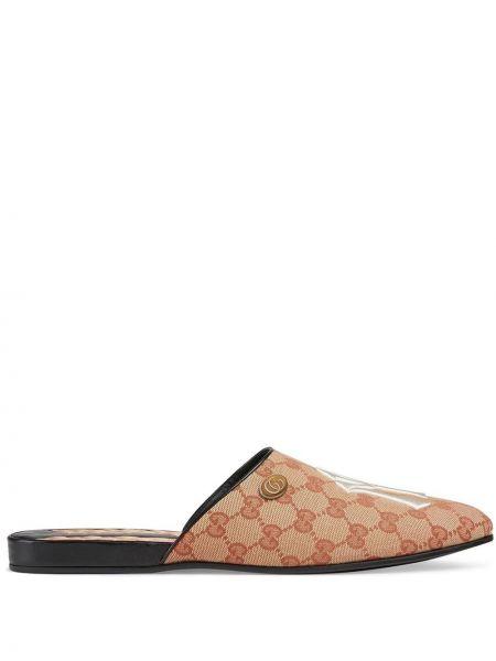 Kapcie skorzane z haftem pikowane Gucci