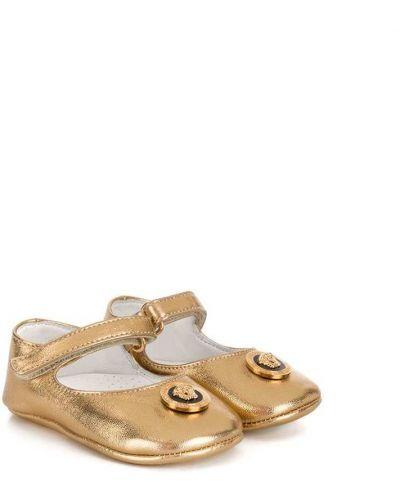 С ремешком золотистые кожаные желтые балетки Young Versace