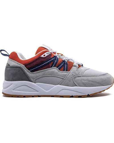 Замшевые кроссовки Karhu