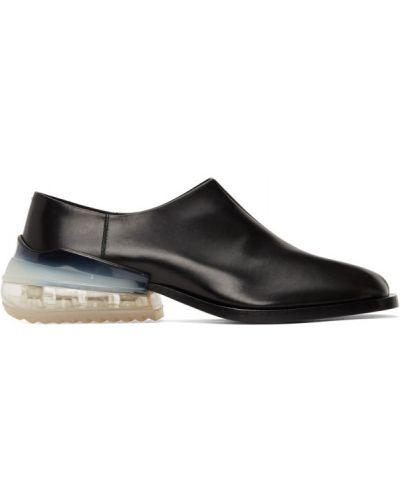 Czarny loafers z prawdziwej skóry na pięcie wytłoczony Maison Margiela