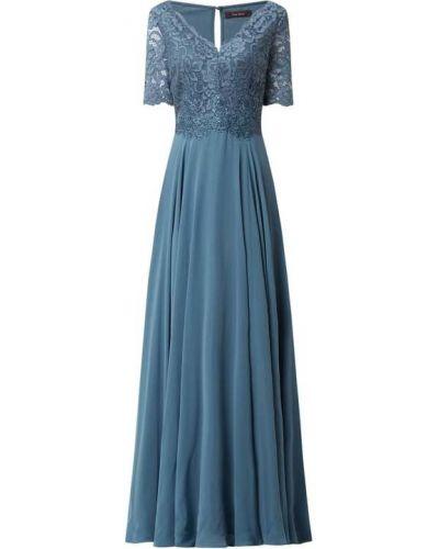 Niebieska sukienka wieczorowa rozkloszowana z szyfonu Vera Mont