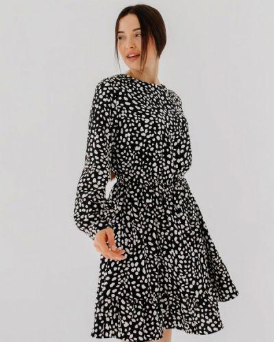 Прямое черное платье А-силуэта Bessa