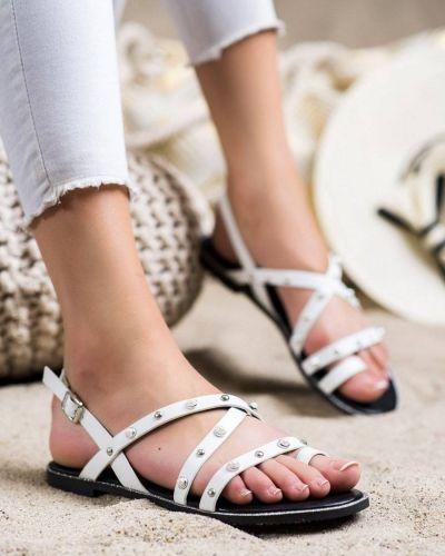 Białe sandały płaskie casual z eko skóry Goodin