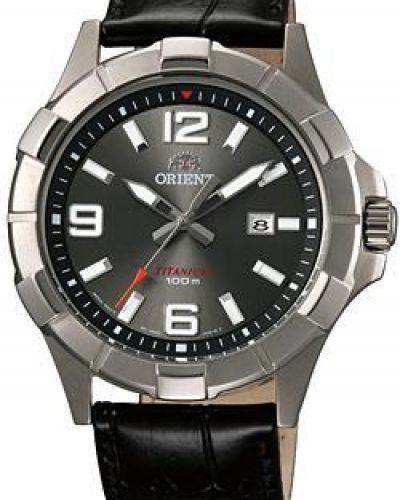 Часы с кожаным ремешком кварцевые спортивные Orient