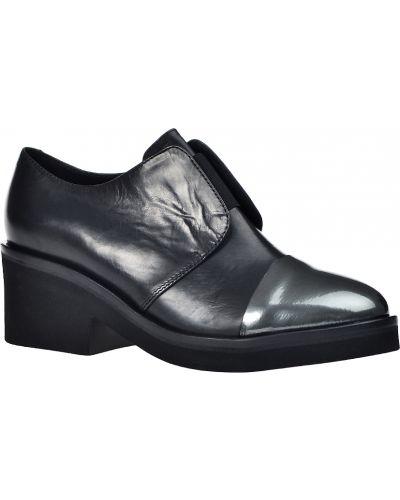 Туфли на танкетке осенние кожаные Vic Matie