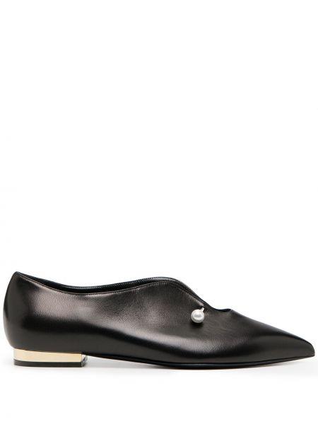 Czarny loafers metal z ostrym nosem z perłami Coliac