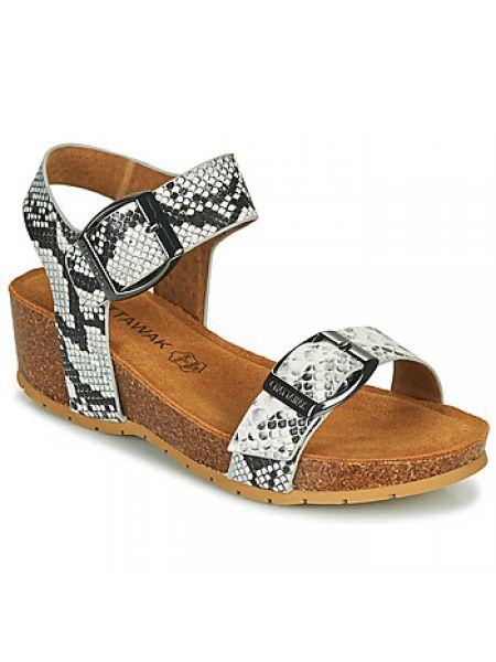 Białe sandały Chattawak