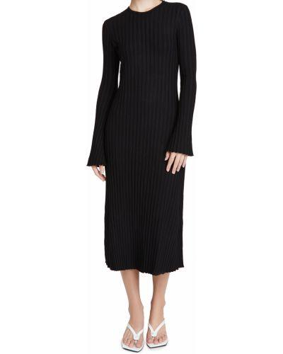 Prążkowana czarna sukienka długa z długimi rękawami Simon Miller