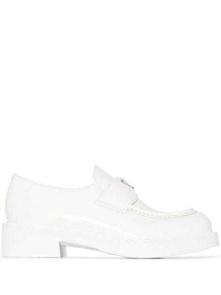Loafers - białe Prada