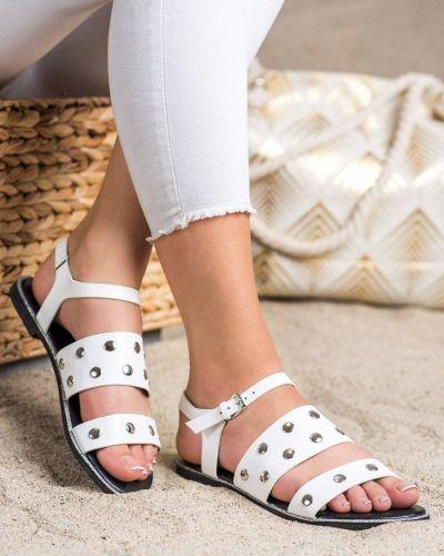 Białe sandały casual z eko skóry Goodin