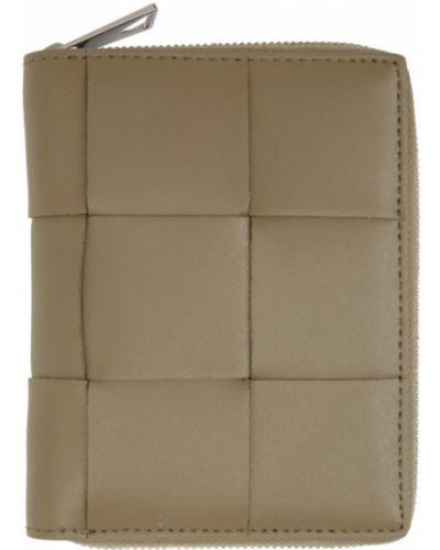 Кожаный кошелек с карманами с тиснением Bottega Veneta