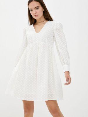 Бежевое прямое платье Doroteya
