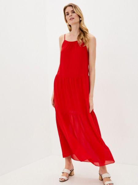 Красное платье снежная королева