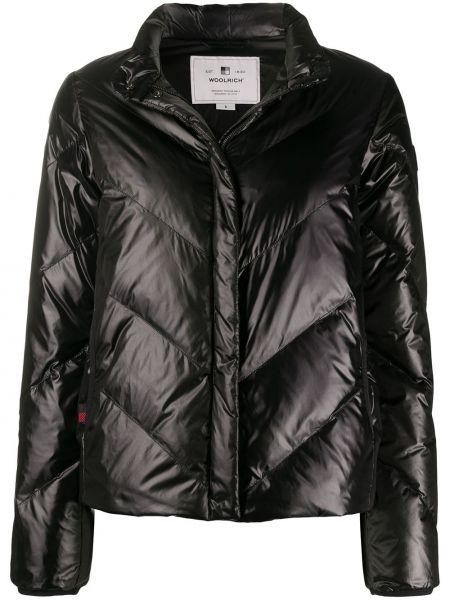 Стеганая куртка черная на молнии Woolrich