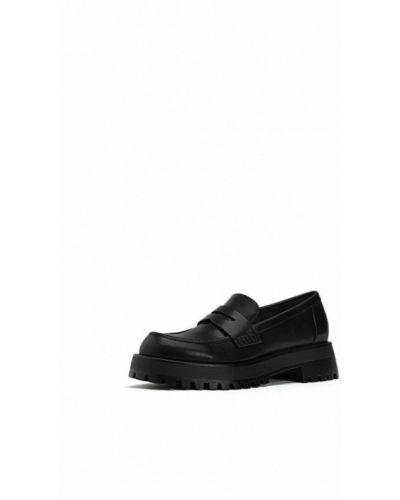 Черные туфли осенние Stradivarius