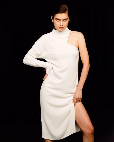 Шелковое с рукавами платье с разрезом 12storeez