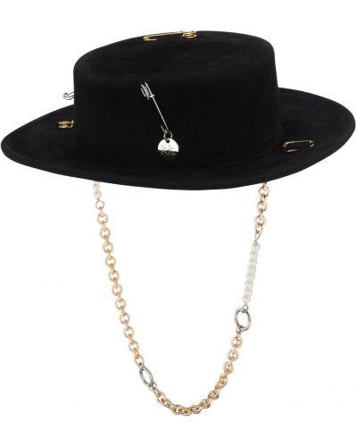 Czarny kapelusz Ruslan Baginskiy