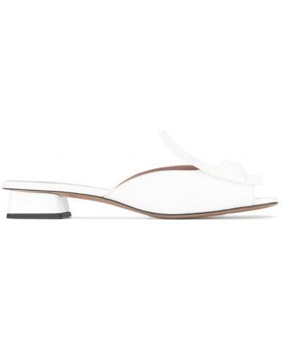 Белые мюли на каблуке Rayne