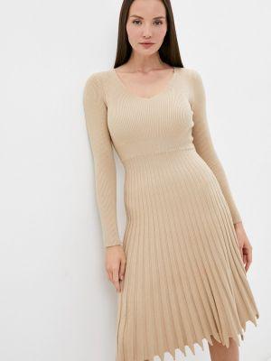 Бежевое зимнее платье Izabella