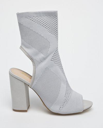 Серые туфли Answear