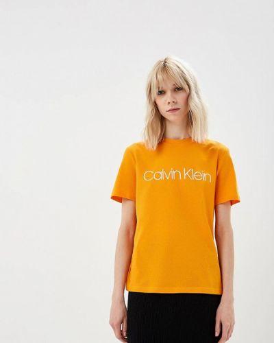 Желтая футболка 2019 Calvin Klein