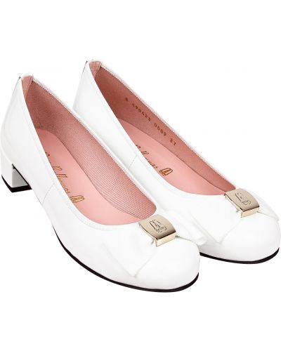 Школьные кожаные белые балетки Pretty Ballerinas