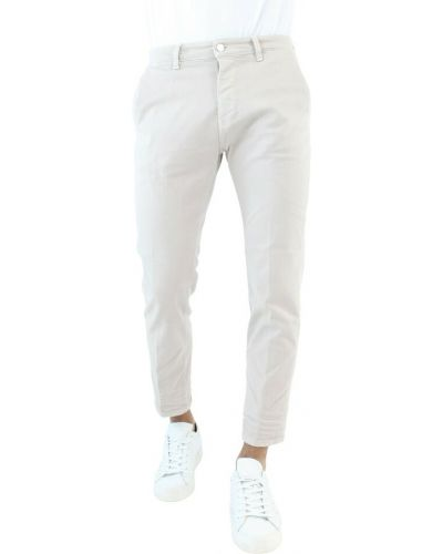 Białe mom jeans Haikure