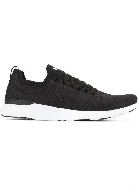 Черные кроссовки с сеткой Apl