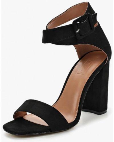 Босоножки на каблуке замшевые Topshop