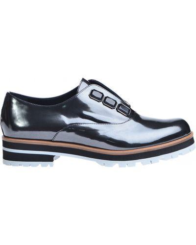Серые туфли на каблуке Pertini